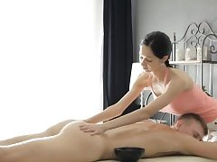 Sexy masseur Emma Cums gets twat rammed by her insatiable client