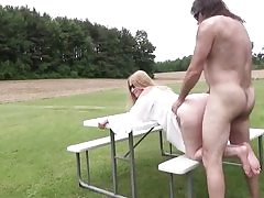 Mature slut gets her pussy hole jammed outdoors stiff core inside